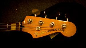 kitmonsters fender jaguar bass the music makers guide. Black Bedroom Furniture Sets. Home Design Ideas
